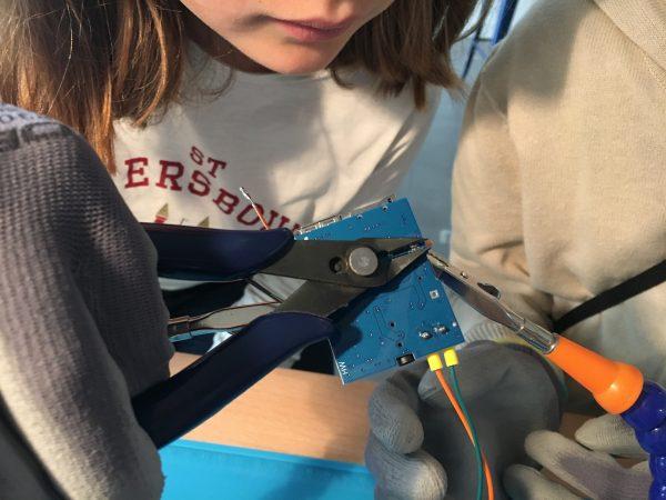Réaliser une soudure électronique
