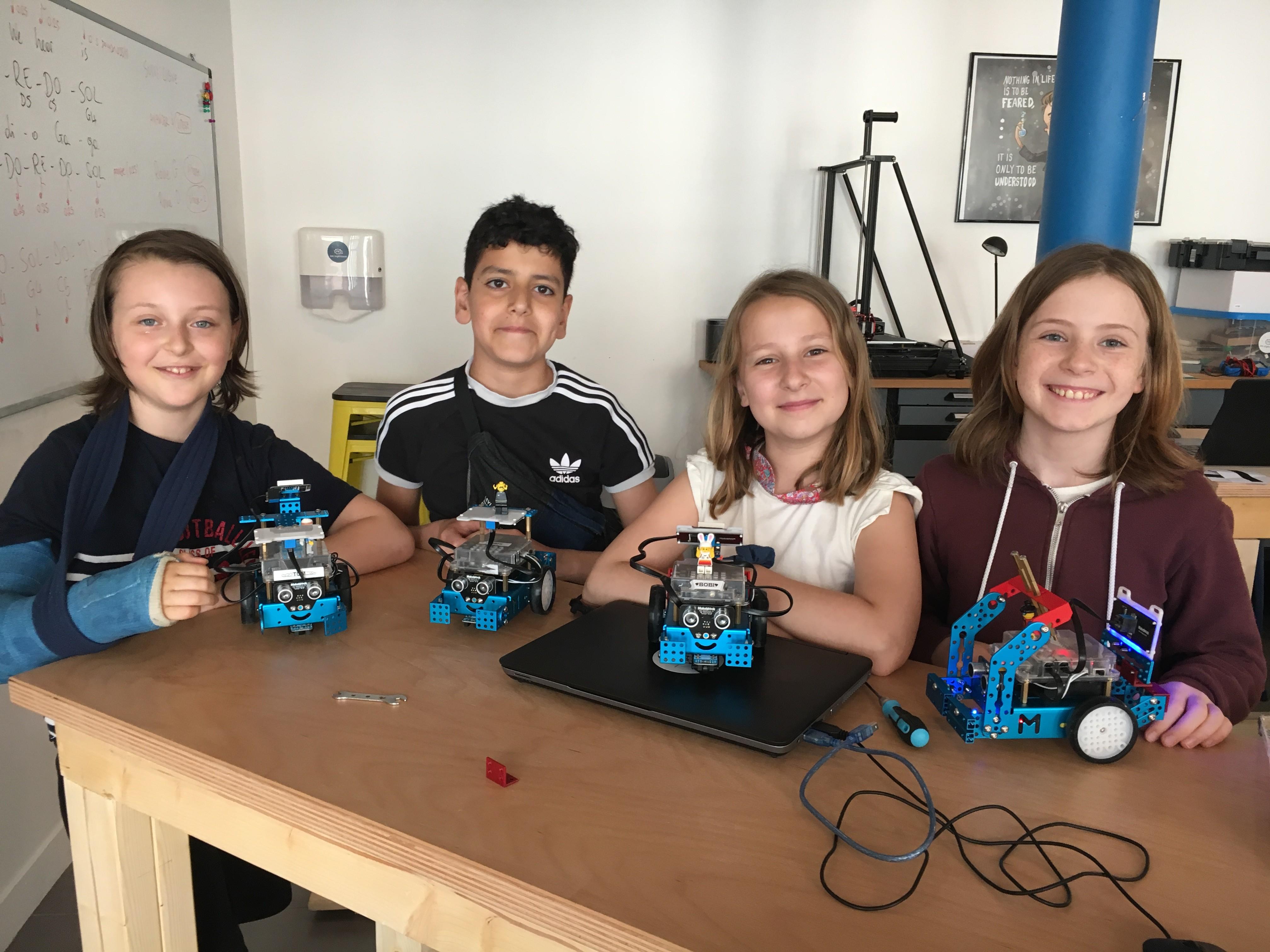 Une super équipe pour le stage de robotique