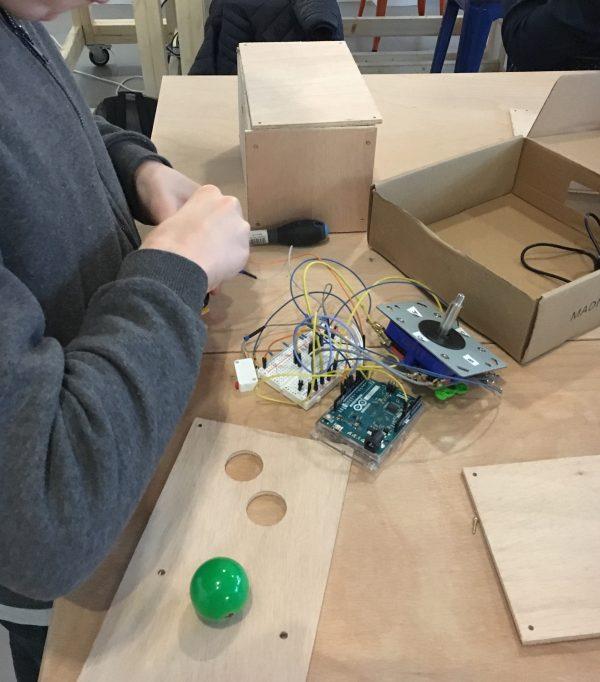 On construit une manette de jeu!