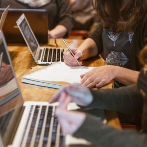 Atelier de programmation en équipe pour jeunes